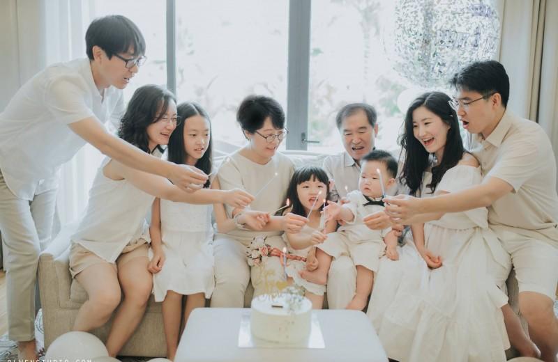 Gia đình của Jiho / Nguyễn Nho Toàn