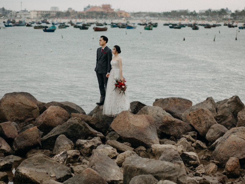 Da Nang | The prewedding of Phu & Nhi | by Quoc Tran